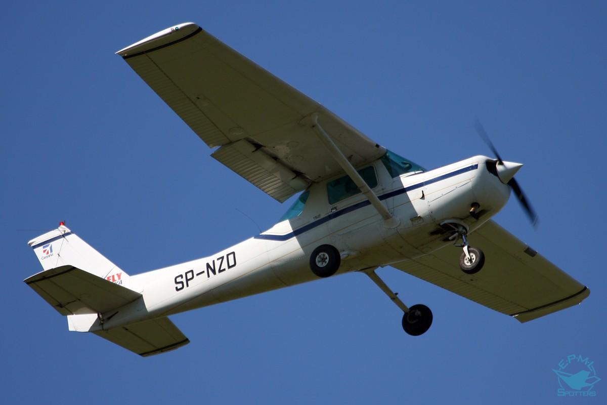 2  CESSNA C152 SP-NZD | Sold aircraft | Plane4You Aircraft
