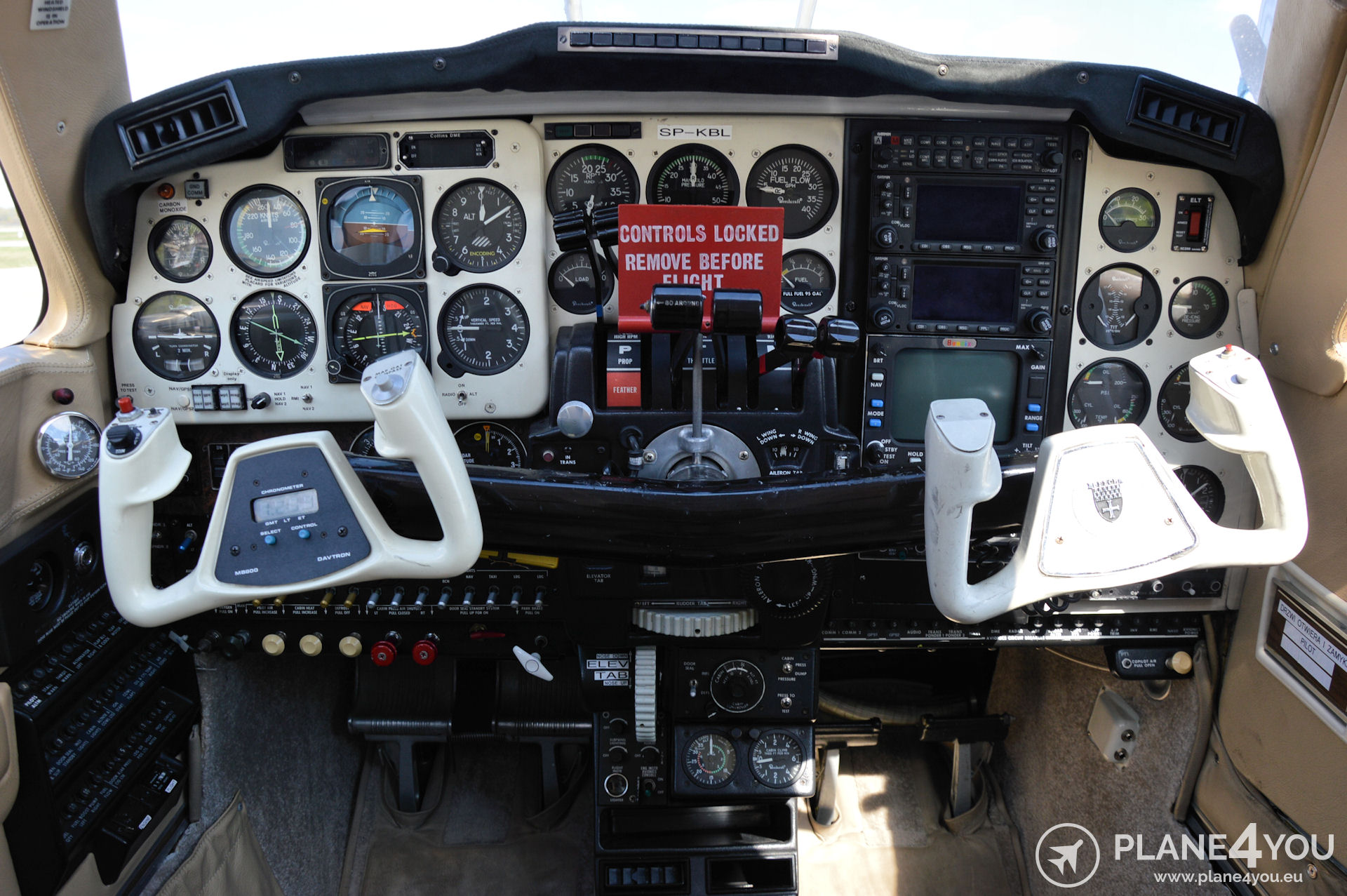 Beechcraft Baron 58P SP-KBL   Multi-engine aircraft