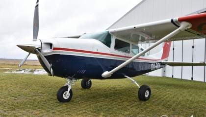 Cessna TU206G Turbo Stationar OK-ROY